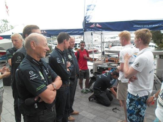 The team of Solar Impulse meet the TU Delft Solar Boat Team, an exchange of views between solar champions