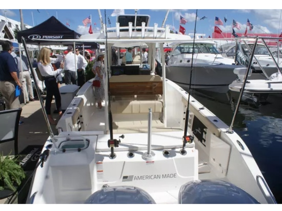 FLIBS 2018: Pursuit launches S 288 Sport center console
