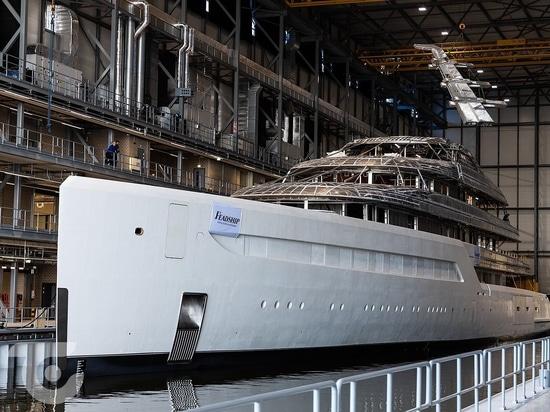 Feadship 816 yacht construction