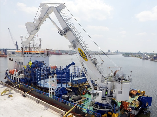 HEILA CRANES EXHIBITS AT SEAWORK INTERNATIONAL: COME VISIT US AT Q16!