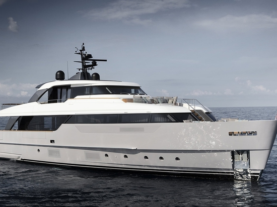 Sanlorenzo Reveals SD96 at Cannes Yachting Festival