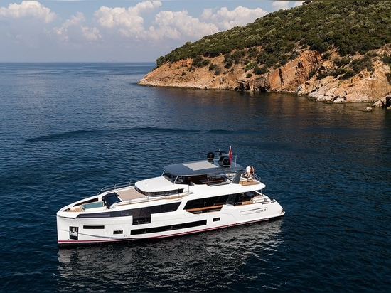 [New Pictures] Sirena 88 Flagship Debuts at Cannes Yachting Festival