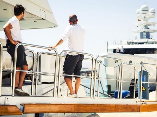 Coronavirus Advice for Yacht Crew Working on Board a Superyacht