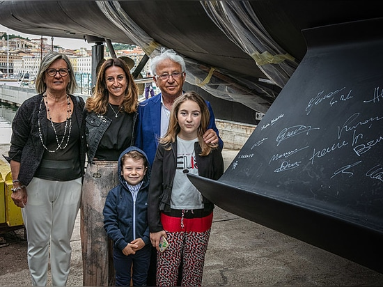 The Belardinelli family, owners of  the CPN Shipyard in Ancona, at the launch of K-584