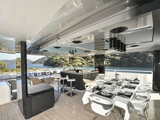 36m Arcadia motor yacht Sun on the market