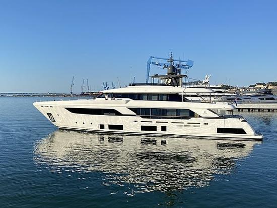 37m Custom Line Navetta 37 yacht Roma VII delivered