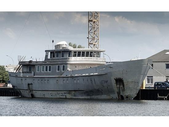 46m project Vega arrives in Bremerhaven for completion