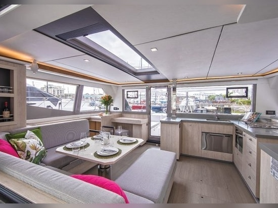 Leopard 45 has mirror-image dining inside and out