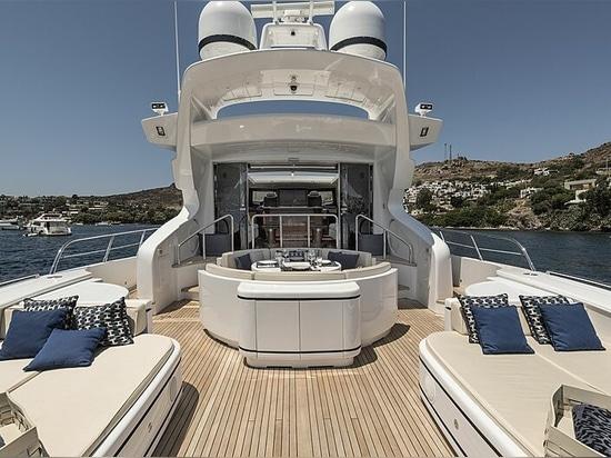 32m Mangusta motor yacht Danush for sale