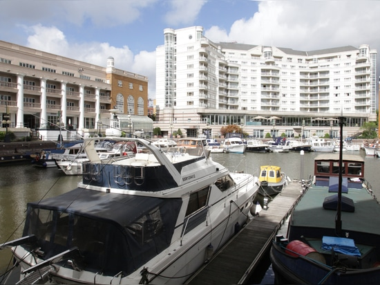 The marina is the centre piece of the Chelsea Harbour estate. Photo (c) Graeme Ewens
