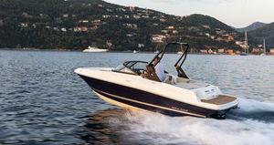 船内機ランナバウトボート / デュアルコンソール / ボウライダー / 水上スキー