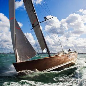 クルージング競技帆船 / オープントランサム / キャビン5つ / ツインステアリングホイール