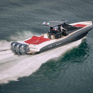 船外機インフレータブルボート / 船尾駆動 / ツインエンジン式 / 三発機