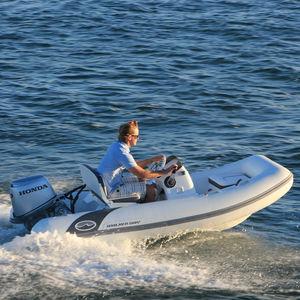 船外インフレータブルボート / 半硬式 / サイド コンソール / 5人