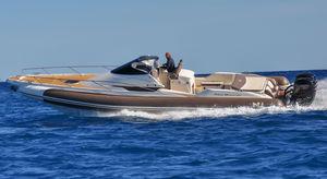 船外インフレータブルボート / ツインエンジン式 / 半硬式 / セントラル コンソール