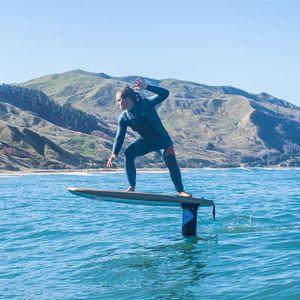 サーフィン立ち型パドルボード