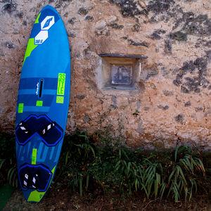 フリースタイルウインドサーフィンボード