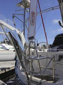 セールボート用風向計セルフステアリング装置