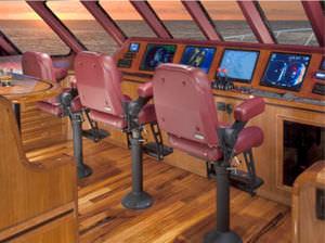 舵用シート