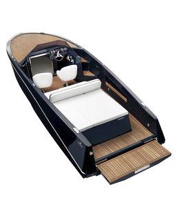 船内機ランナバウトボート