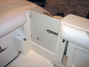 ボート用小扉