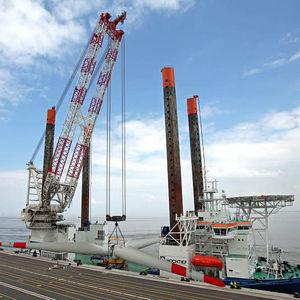 クレーン船用クレーン / 重積載用 / ラッフィングジブ