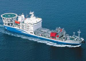 炭化水素回収用汚染防止船