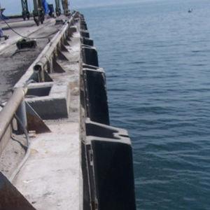 タグボート防舷物 / W 形状の