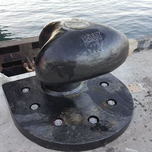マリンターミナル用係船ボラード