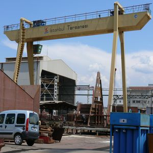 造船所用クレーン