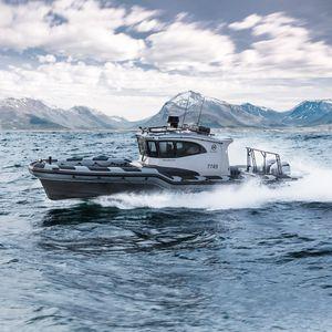 船外インフレータブルボート / 船内 / ツインエンジン式 / 三発機