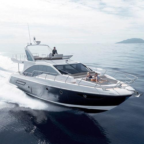 クルージングモーターヨット / フライブリッジ / GRP / 移動用船艇