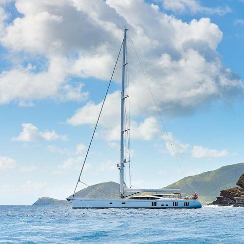 クルージング豪華帆船