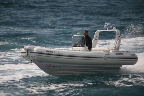 船内インフレータブルボート / 半硬式 / セントラル コンソール / オフショア