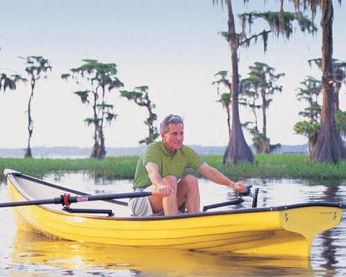 伝統的手漕ぎボート