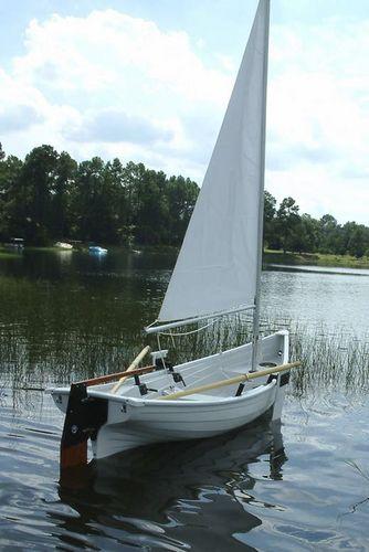 伝統的帆付きボート