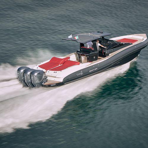 船外インフレータブルボート / スターンドライブ / ツインエンジン式 / 三発機