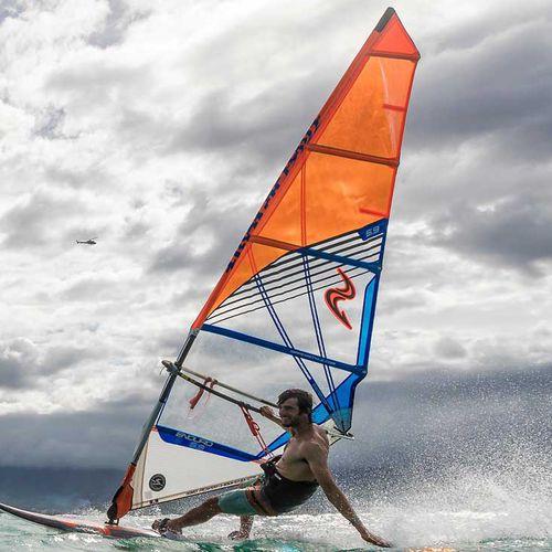 フリーライドウインドサーフィンの帆 / 5バテン