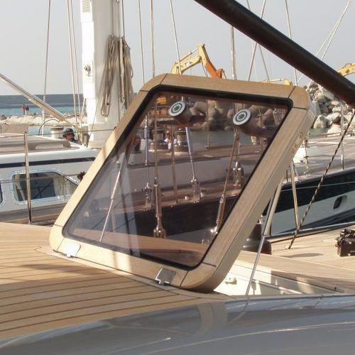 ボート用デッキハッチ