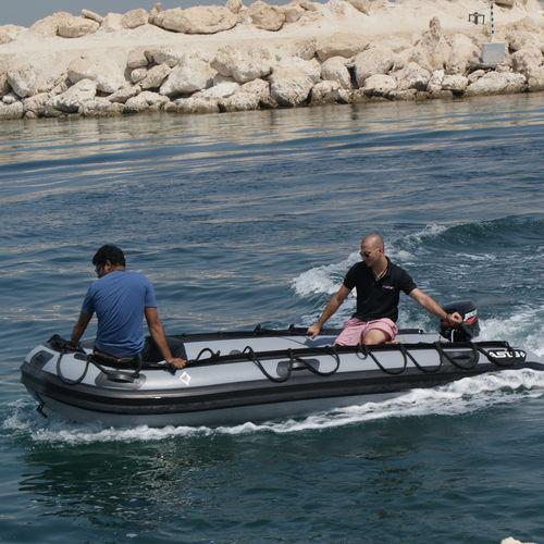 軍船業務用ボート / 船外機 / 折り畳みインフレータブルボート / 空気圧式船