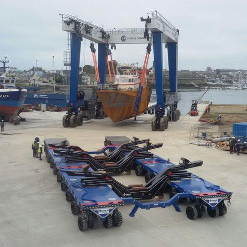 ハンドリングトレーラー / 重量運搬用 / 造船所用 / 自走式
