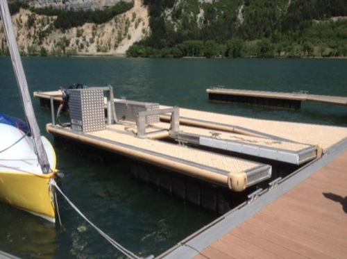 排水吸水用はしけ業務用ボート