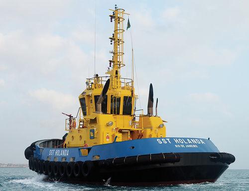 曳航業務用ボート