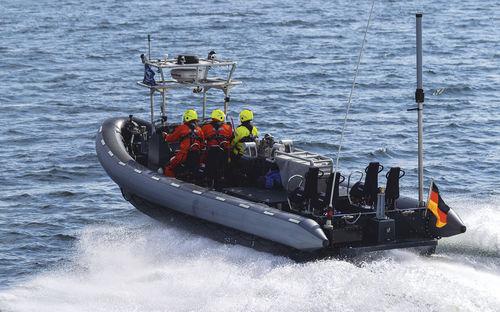 軍船 / ディーゼル式 / インボードウォータージェット / 空気圧式船