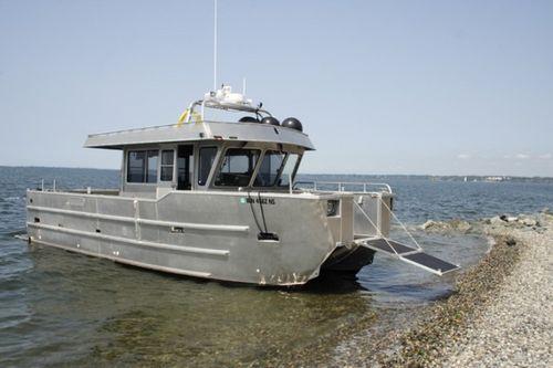 潜水サポート船 / カタマラン / 船内 / アルミ製