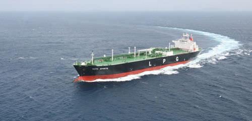 ブタンガス タンカー貨物船