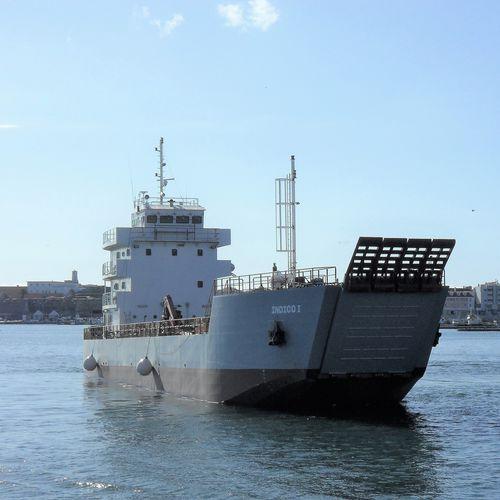 作業用平底船専用船