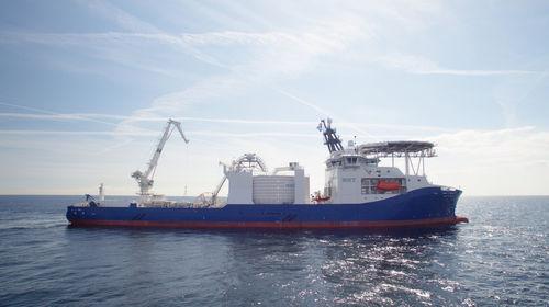 海底電線敷設専用船