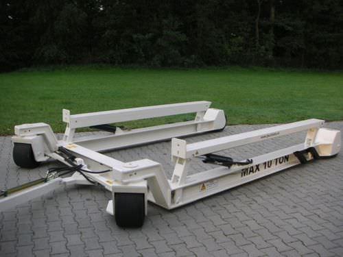 ハンドリングトレーラー / 造船所用 / 油圧式