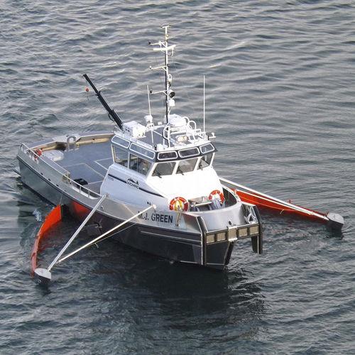 流出油回収船